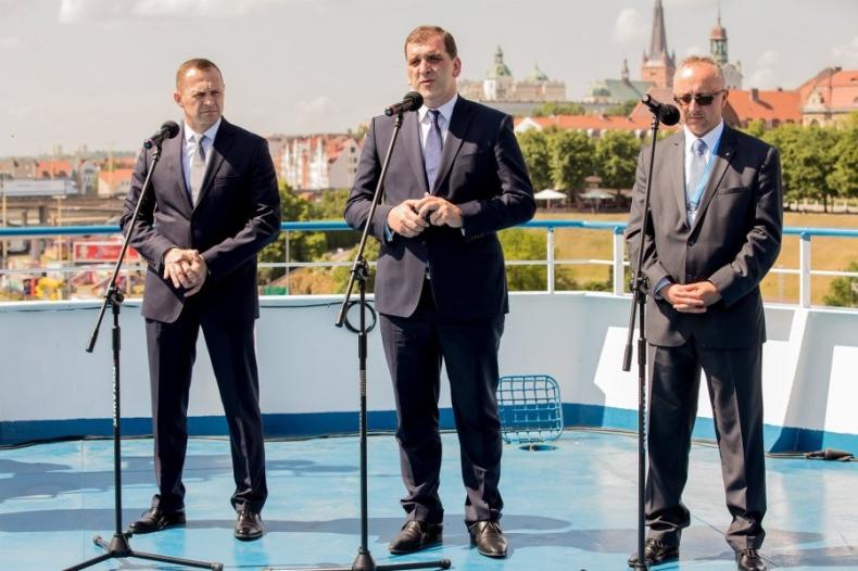 Ernst&Young pomoże w powstaniu Polskiej Grupy Promowej - GospodarkaMorska.pl