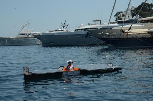 Debiut łodzi solarnej z PG na morzu - GospodarkaMorska.pl