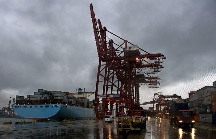 Chińskie porty notują wzrost przeładunków kontenerowych - GospodarkaMorska.pl