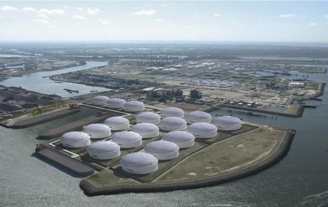 Rosjanie nie będą jednak budować terminalu naftowego w Rotterdamie - GospodarkaMorska.pl
