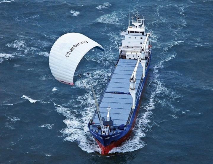 Latawce zrewolucjonizują eksploatację okrętów - GospodarkaMorska.pl