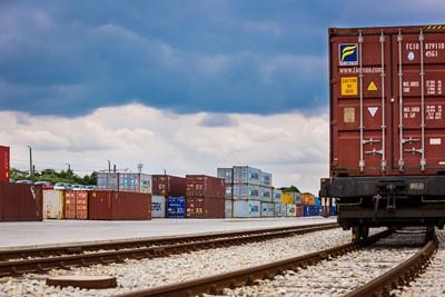 PKP CARGO przewozi coraz więcej towarów z Chin do Europy - GospodarkaMorska.pl