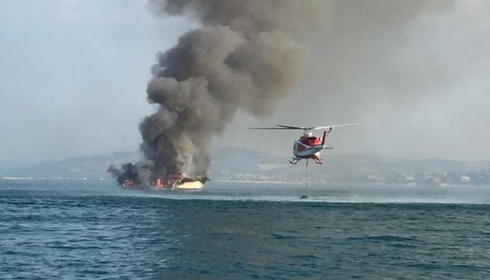 Pożar na jachcie we Włoszech. Statek poszedł na dno (WIDEO) - GospodarkaMorska.pl