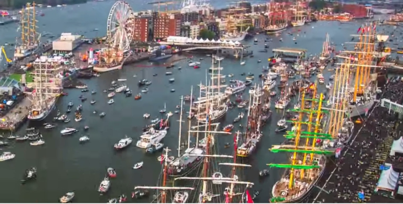 Zobacz niezwykłe nagranie z największej parady żaglowców na świecie (WIDEO) - GospodarkaMorska.pl