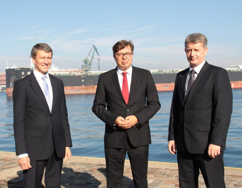 Minister Andrzej Czerwiński chwali pomorskie porty - GospodarkaMorska.pl