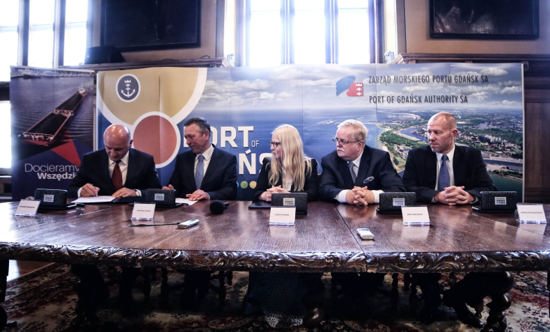 Umowa w końcu podpisana! OT Logistics zbuduje w Gdańsku największy port zbożowy w regionie - GospodarkaMorska.pl