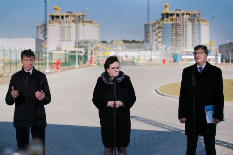 Koniec prac budowlanych na terminalu LNG w Świnoujściu - GospodarkaMorska.pl
