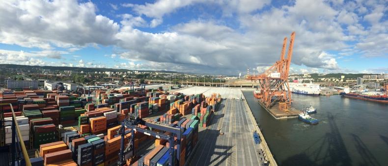"""""""Super- Post-Panamax""""- największe w Polsce urządzenia przeładunkowe w Gdynia Container Terminal - GospodarkaMorska.pl"""