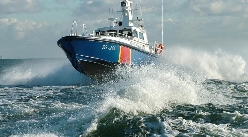 Pirat na motorówce zagrażał bezpieczeństwu na wodach Świnoujścia - GospodarkaMorska.pl