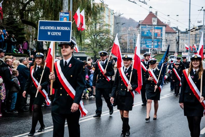 Przyłącz się do Akademii Morskiej w Gdyni na Paradzie Niepodległości - GospodarkaMorska.pl
