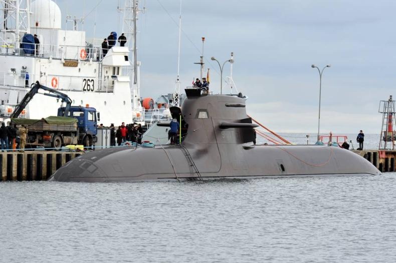 Niemiecki okręt podwodny U 34 już w Gdyni - GospodarkaMorska.pl