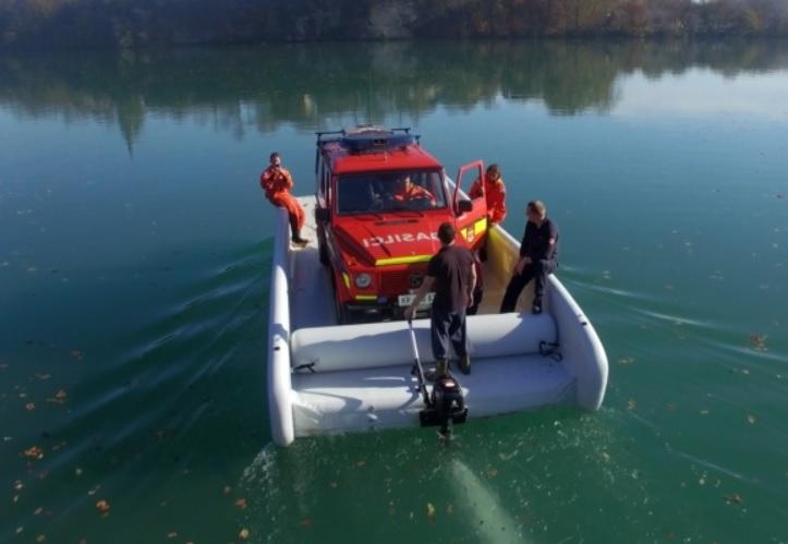 Niezatapialna łódka, która może zrewolucjonizować transport - GospodarkaMorska.pl
