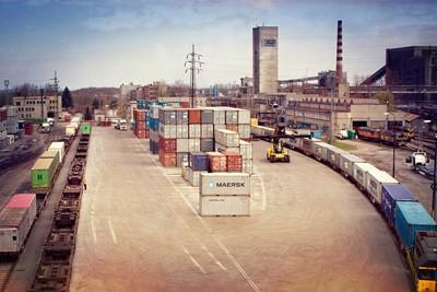 AWT przewiezie 60 tys. ton drewna rocznie na Bałkanach - GospodarkaMorska.pl
