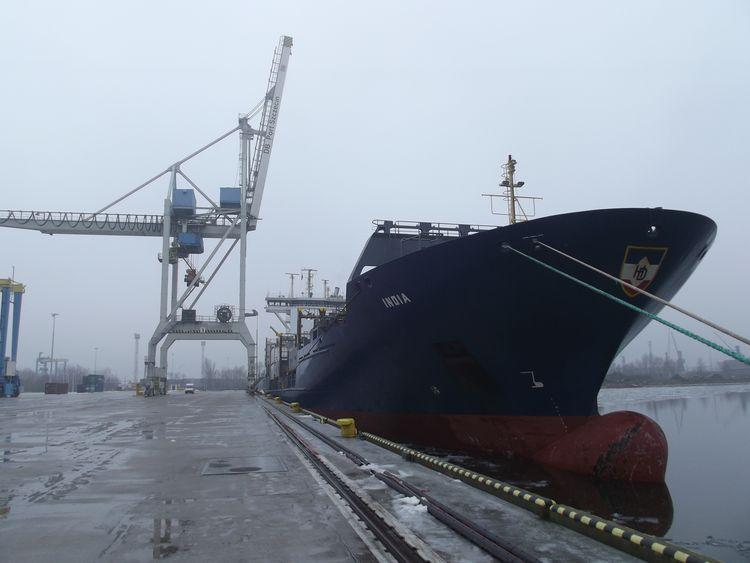 Nowy regularny serwis kontenerowy w DB Port Szczecin - GospodarkaMorska.pl