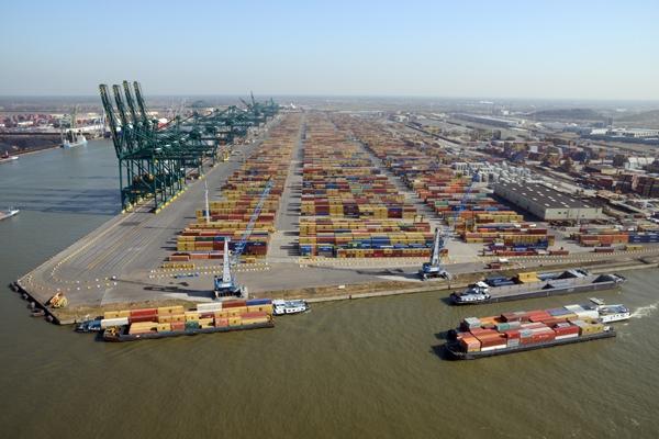 Antwerpia jasnym punktem na mapie europejskich portów kontenerowych - GospodarkaMorska.pl