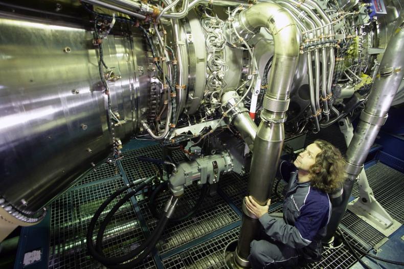 Brytyjski rząd potwierdza zobowiązania dotyczące programu okrętów type 26 dla królewskiej marynarki wojennej - GospodarkaMorska.pl