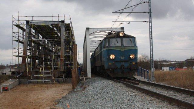 Od sierpnia do gdańskiego portu zmodernizowaną linią kolejową - GospodarkaMorska.pl