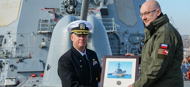 Wiceminister Grabski na USS Donald Cook - GospodarkaMorska.pl