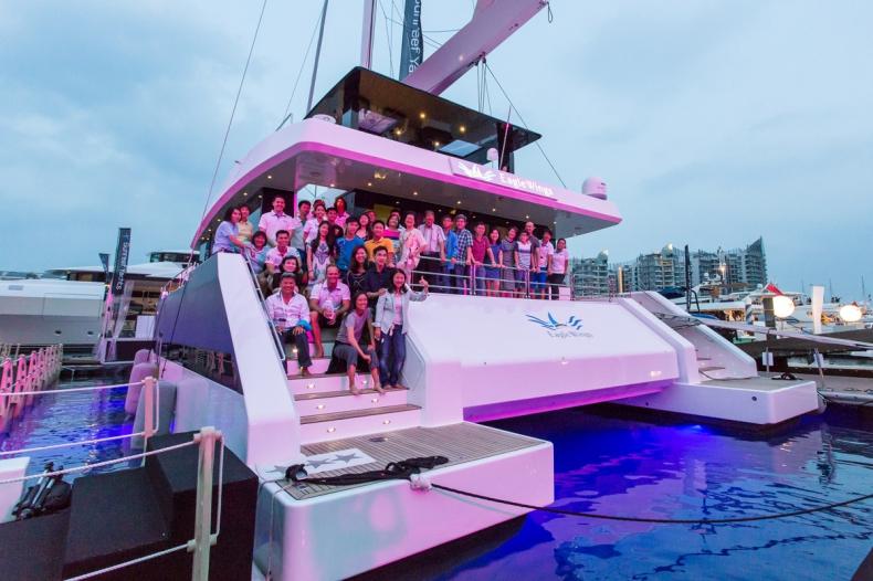 Pierwszy jacht z linii Sunreef Supreme 68 przekazany właścicielom podczas targów Singapore Yacht Show - GospodarkaMorska.pl