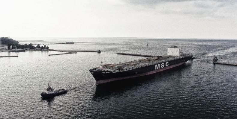 Raport GUS - gospodarka morska w Polsce w 2015 roku - GospodarkaMorska.pl