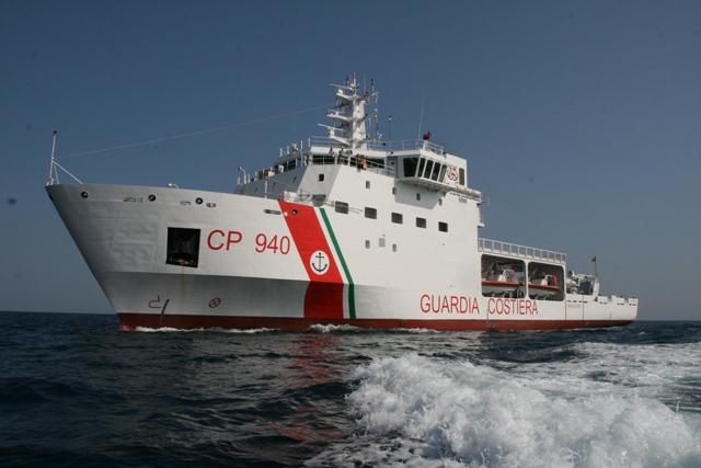 Włosi uratowali na morzu w ostatnich godzinach ok. 3 000 uchodźców - GospodarkaMorska.pl