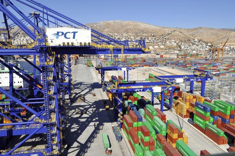 Strajkują pracownicy prywatyzowanych portów w Pireusie i Salonikach - GospodarkaMorska.pl