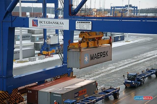 Nowe wymagania prawne IMO dotyczące weryfikacji masy kontenerów w transporcie morskim (Verified Gross Mass VGM) - GospodarkaMorska.pl