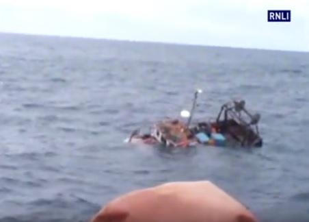 Akcja ratunkowa na Oceanie Atlantyckim (wideo) - GospodarkaMorska.pl