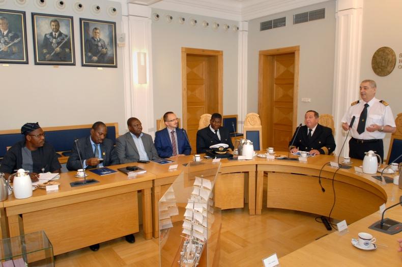 Delegaci z Nigerii w Akademii Morskiej w Gdyni - GospodarkaMorska.pl