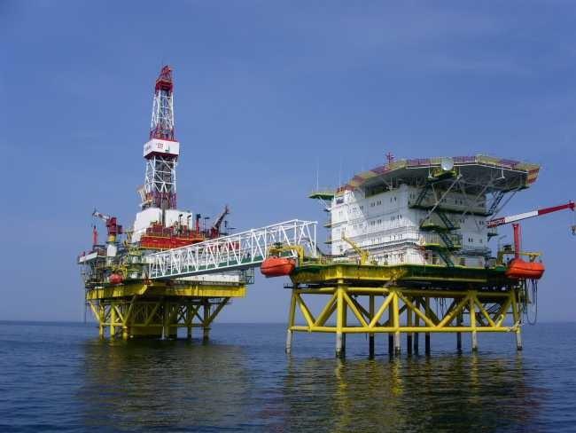 Lukoil wierci na Morzu Kaspijskim - GospodarkaMorska.pl