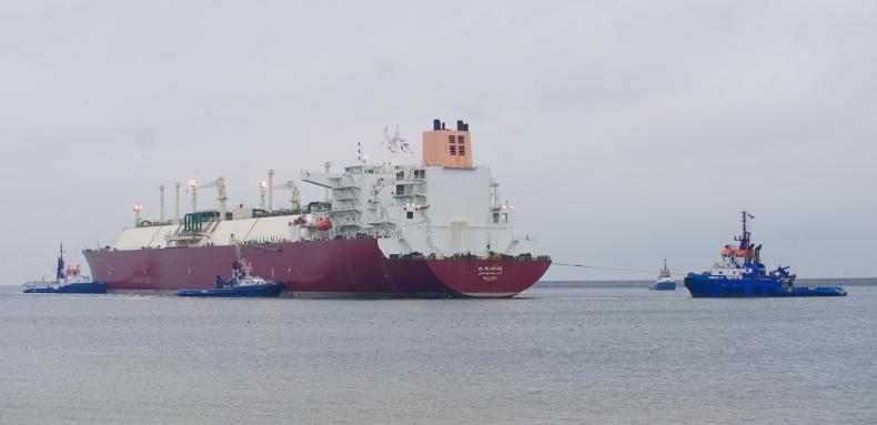 Pogoda wstrzymała wpłynięcie metanowca do terminala LNG w Świnoujściu - GospodarkaMorska.pl