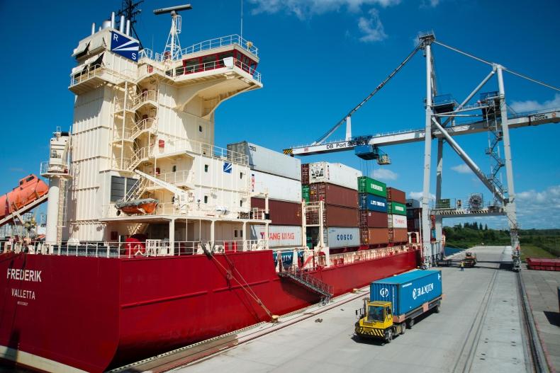 Procedura ważenia kontenerów eksportowych w DB Port Szczecin - GospodarkaMorska.pl