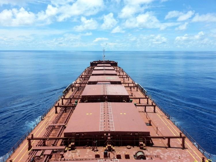 Raport: To było najtrudniejsze pół roku dla światowej żeglugi od czasu kryzysu finansowego - GospodarkaMorska.pl