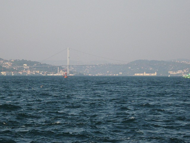 Władze morskie w Turcji otwierają cieśninę Bosfor dla ruchu tankowców - GospodarkaMorska.pl