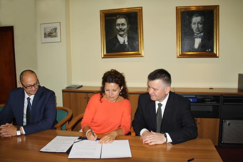 Port Gdynia rozpoczął współpracę z Wyższą Szkołą Bankową - GospodarkaMorska.pl