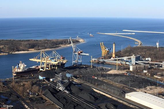 OT Port Świnoujście z nowym elewatorem zbożowym - GospodarkaMorska.pl