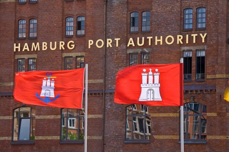 Port Hamburg: stabilnie w I półroczu - GospodarkaMorska.pl