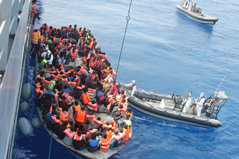 Statek ratunkowy Save the Children na Morzu Śródziemnym - GospodarkaMorska.pl