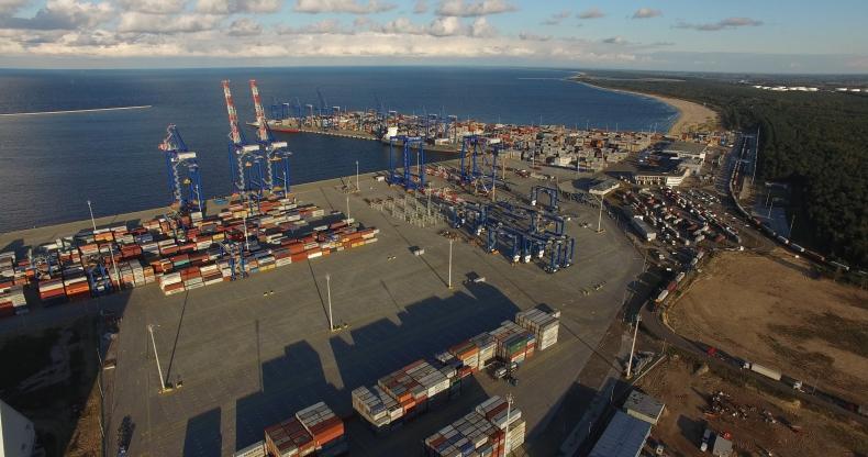 Drugie nabrzeże (T2) terminalu kontenerowego DCT Gdańsk prawie gotowe. Otwarcie za miesiąc - GospodarkaMorska.pl
