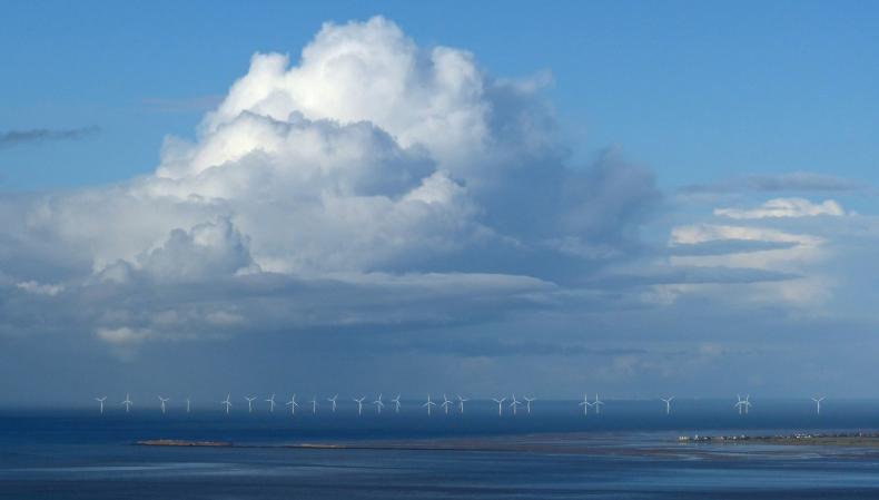 OZE przyszłością energetyki. W Europie szybko rozwija się energia wiatrowa, szczególnie farmy morskie - GospodarkaMorska.pl