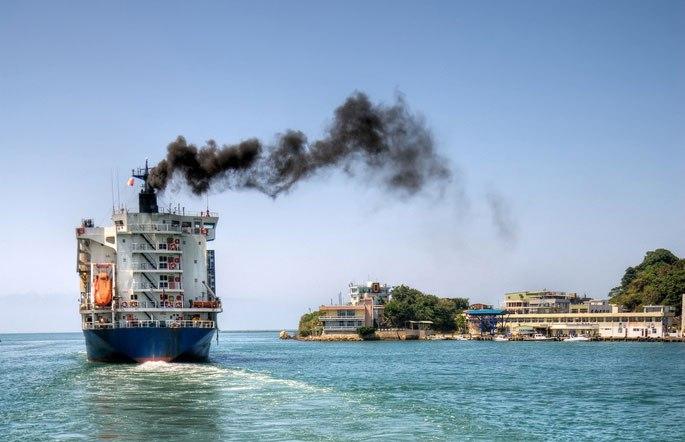 IMO planuje wprowadzić światowy pułap emisji siarki dla żeglugi - GospodarkaMorska.pl