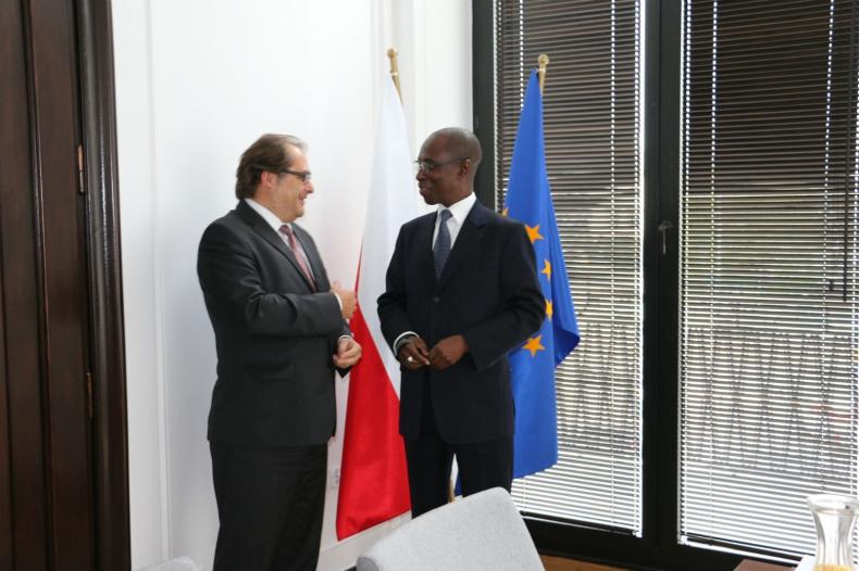 Ambasador Senegalu u Ministra Gospodarki Morskiej - GospodarkaMorska.pl