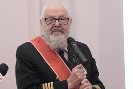 MSZ: kapitan żeglugi wielkiej Zbigniew Sulatycki uhonorowany odznaką Bene Merito - GospodarkaMorska.pl