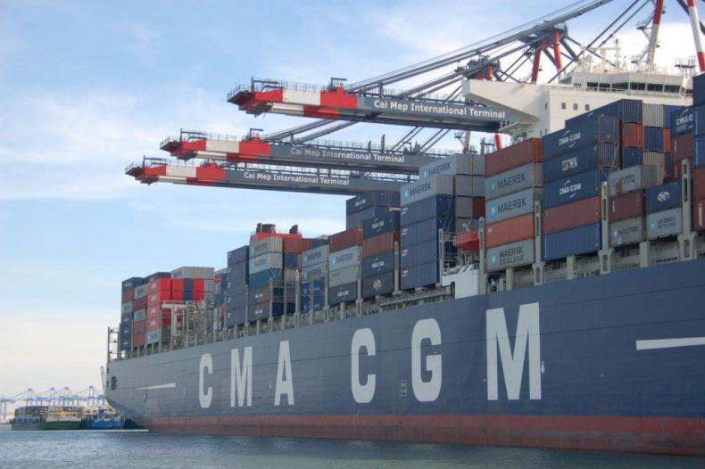 Francuski gigant kontenerowy lobbuje za użyciem paliwa LNG w kontenerowcach - GospodarkaMorska.pl