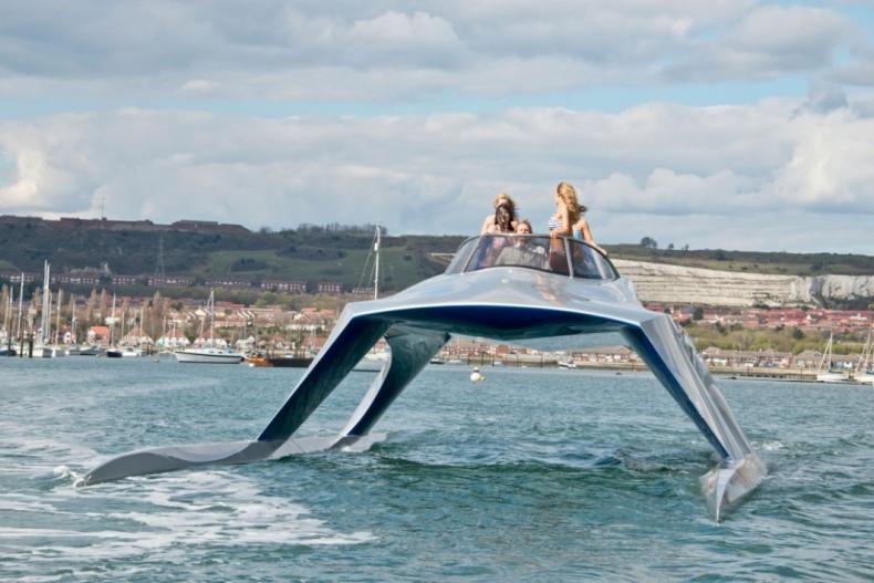 Superszybka łódź powstaje w Wielkiej Brytanii (wideo) - GospodarkaMorska.pl