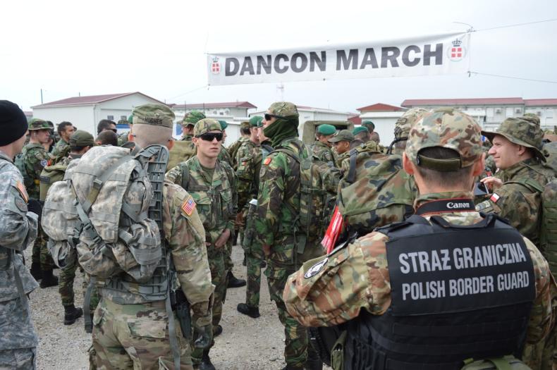 Funkcjonariusze MOSG powróili z misji w Macedonii i na Węgrzech - GospodarkaMorska.pl