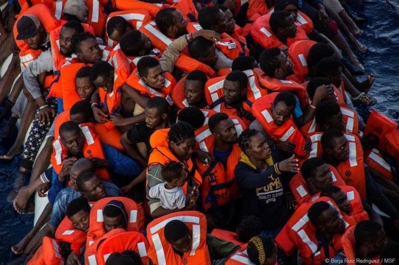 UNHCR: U wybrzeży Libii zatonęły dwie łodzie, zginęło 239 migrantów - GospodarkaMorska.pl