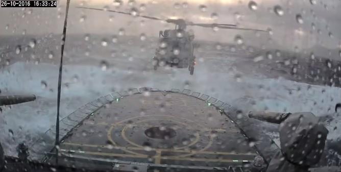 Ekstremalne lądowanie. To wideo podbija internet - GospodarkaMorska.pl