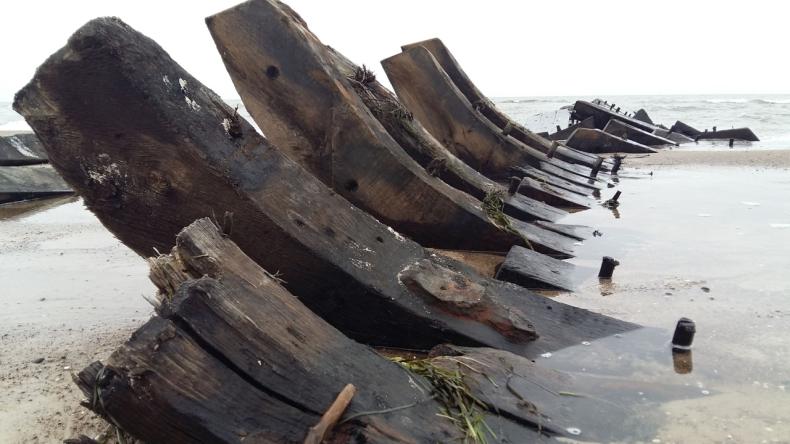 W środę wydobędą XIX-wieczny wrak łodzi - GospodarkaMorska.pl