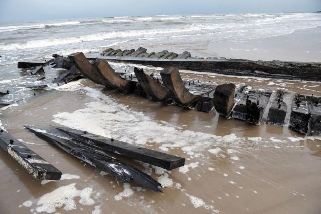 Operacja wydobycia wraku XIX-wiecznej łodzi w Międzywodziu zakończona - GospodarkaMorska.pl